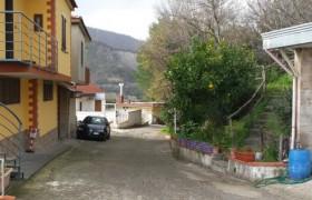 La via dei tumori a Fratte, vicino Salerno <br /> Dei 30 abitanti in totale ne sono morti ben 10