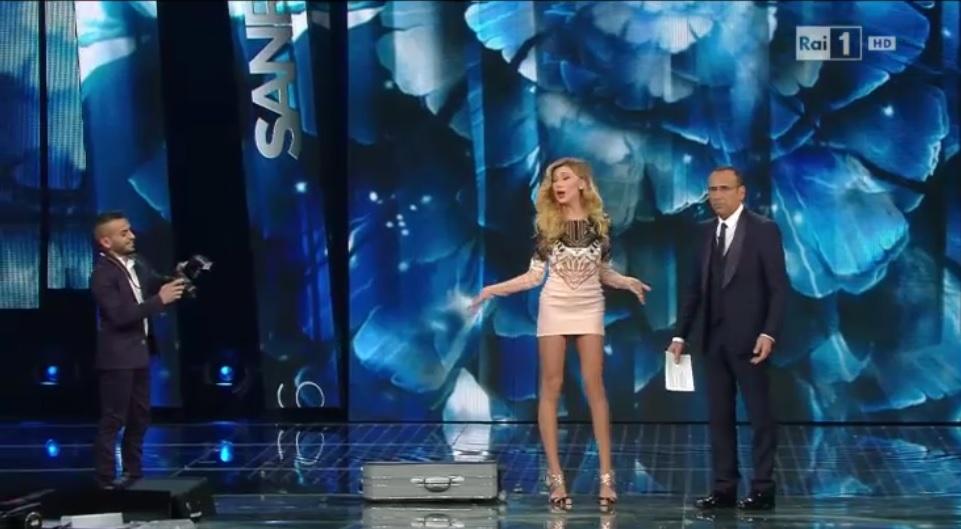 Virginia Raffaele imita Belen Rodriguez a Sanremo 2016 FOTO 6