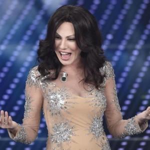 Guarda la versione ingrandita di Sanremo stasera: Belen o la Boschi? Cantano Elio, Neffa...