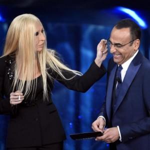 Virginia Raffaele - Donatella Versace perde orecchio...FOTO
