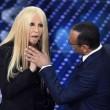 YOUTUBE Virginia Raffaele - Donatella Versace perde orecchio3