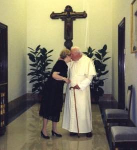 Guarda la versione ingrandita di Anna Teresa Tymieniecka e Wojtyla in Vaticano (foto di Tymieniecka pubblicate dalla Bbc)