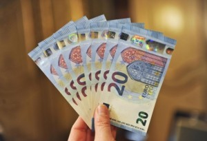 Banconote 20 euro false, come riconoscerle