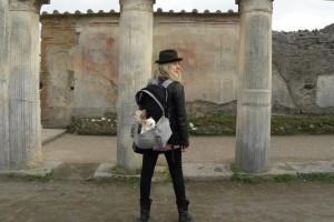 Guarda la versione ingrandita di Con il cane nei musei italiani