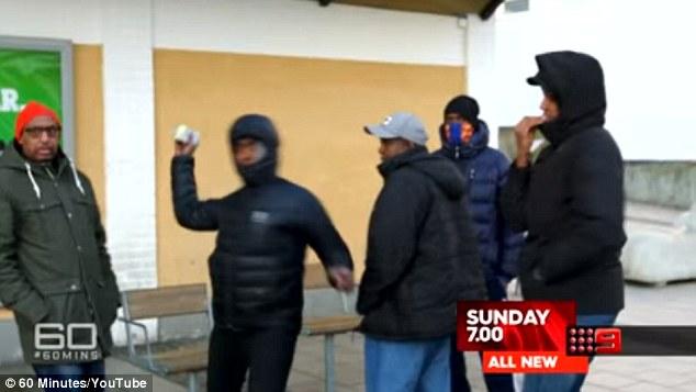 Troupe tv aggredita a Stoccolma da alcuni immigrati 5