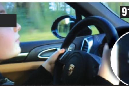 A 90km/h con Porsche a 9 anni: padre è seduto accanto