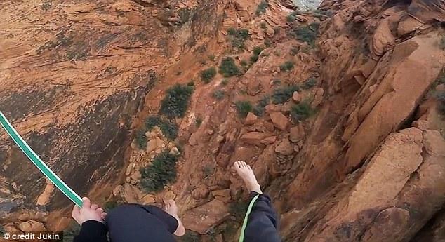 Cammina su fune sospesa in aria e si riprende con GoPro5