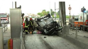 Ravenna, incidente mortale al casello autostradale