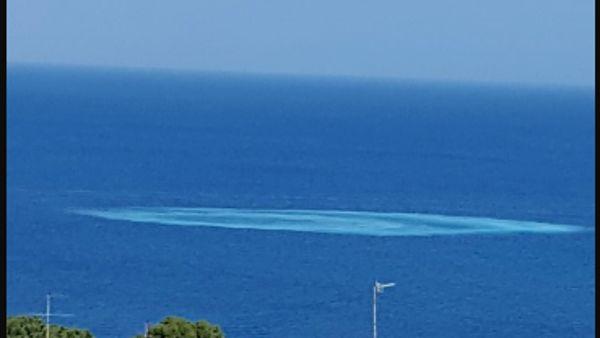 Casamicciola, cratere misterioso spunta in mare FOTO