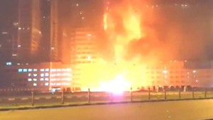 YOUTUBE Dubai, in fiamme due grattacieli residenziali FOTO