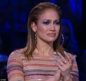 Jennifer Lopez si commuove a American Idol4