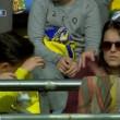 Lionel Messi, pallonata sugli spalti: tifosa sviene2