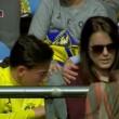 Lionel Messi, pallonata sugli spalti: tifosa sviene3