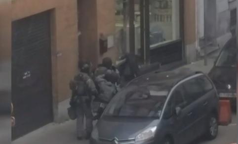 Salah Abdeslam, nuovo VIDEO mostra momento cattura