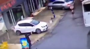 YOUTUBE Istanbul, due donne sparano contro polizia: uccise