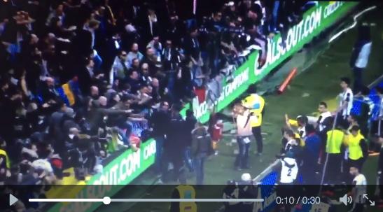 Udinese, tensione con tifosi: reazione di Danilo