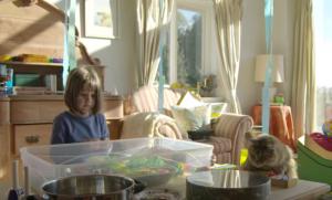 YOUTUBE Gatto che nuota insegnò a bimba autistica a parlare 8