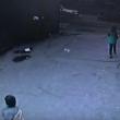 YOUTUBE Bambino investito da furgone si rialza e cammina 2
