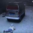 YOUTUBE Bambino investito da furgone si rialza e cammina 5