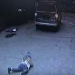 YOUTUBE Bambino investito da furgone si rialza e cammina 6