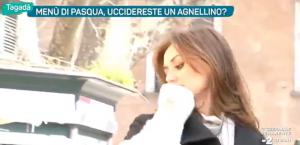 "Giuseppe Cruciani alla vegana Daniela Martani: ""Suicidati"""