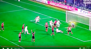 Guarda la versione ingrandita di YouTube, Serie B: Salernitana-Bari 3-4, Dezi decisivo
