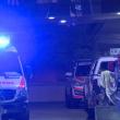 Assassino in ginocchio davanti alla poliziotta col taser 3