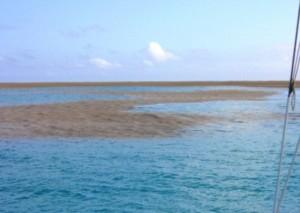 Tonga, marinai assistono a formazione nuova isola FOTO2