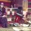 VIDEO Iran, velo islamico aiuto cuoca a fuoco in diretta tv