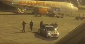 YOUTUBE Ubriaco a bordo: atterraggio emergenza volo Easyjet