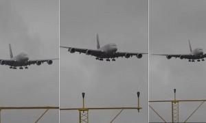 YOUTUBE Manchester, aereo Emirates tenta di atterrare ma...