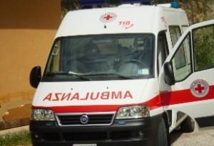 Roma, schianto tra ambulanza e auto: grave donna e la figlia