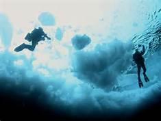 Sommozzatori nell' Artico