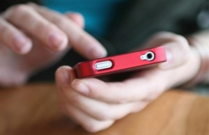 Guarda la versione ingrandita di Truffe telefoniche via sms, ecco come difendersi