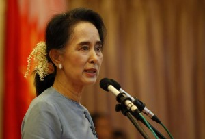 Guarda la versione ingrandita di Birmania, Aung San Suu Kyi nomina candidato presidente