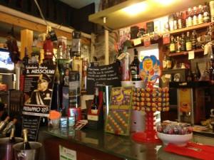 Bergamo, bar fascista Colazione da Tiffany rischia chiusura