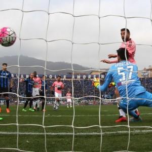 Serie A: Juve-Napoli lotta continua. Roma umilia Fiorentina