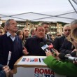 Berlusconi no a Meloni mamma-sindaco: Troppe ore in ufficio