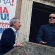 """Berlusconi con gli occhiali da sole: """"Sono come Batman"""" FOTO6"""
