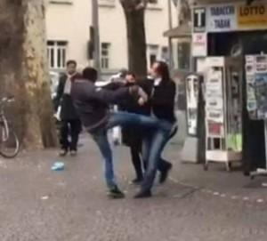 """Bolzano, tabaccaia aggredita e minacciata: """"Ti violento"""""""