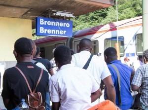 Migranti Brennero, limite velocità a 30, dogana e controlli