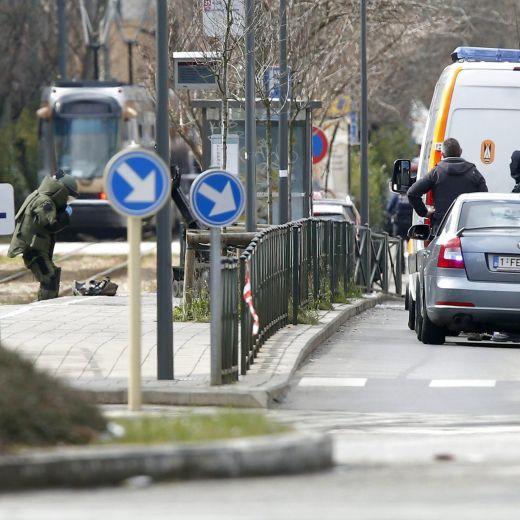 Bruxelles: colpito e preso in fuga. Che c'è nello zaino? 3