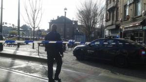 Guarda la versione ingrandita di Bruxelles: spari in strada, scatta blitz. Terrorista ucciso