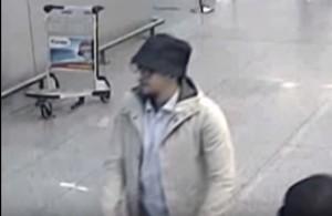 """YouTube Bruxelles: polizia cerca terzo uomo. """"Lo conoscete?"""""""