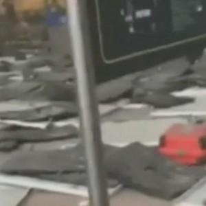 Guarda la versione ingrandita di Matteo Salvini a aeroporto di Bruxelles: