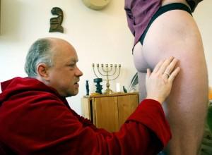 Rampologia, Ulf Buck: l'uomo che legge i sederi FOTO 2
