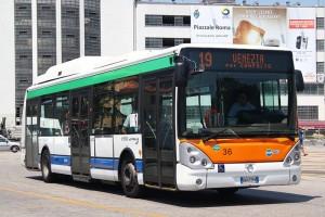 Martellago (Venezia), autista bus picchiato da un ragazzino