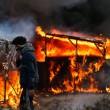 YOUTUBE Calais: caos Giungla, scontri e riprende sgombero2