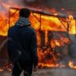 YOUTUBE Calais: caos Giungla, scontri e riprende sgombero3