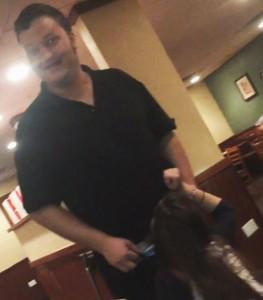 YouTube, sesso orale al cameriere...come mancia
